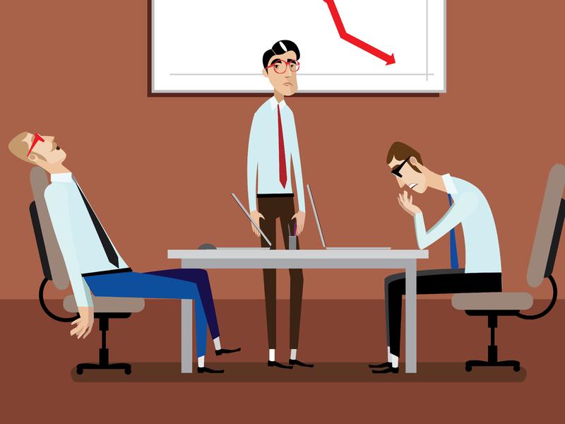 Trois hommes d'affaires à une table qui réfléchissent ou semblent anéantis après une récession.